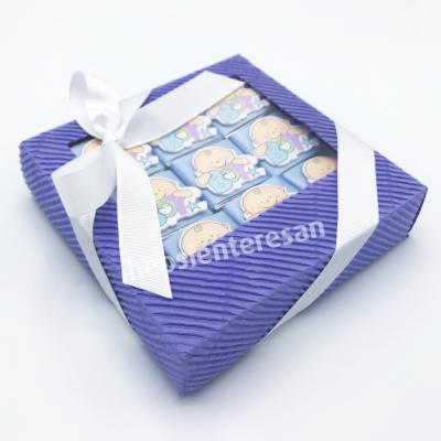 karton kutuda erkek bebek çikolataları