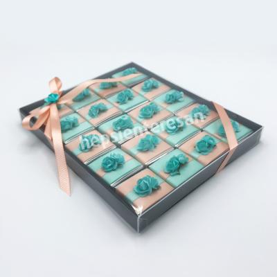 asetat kutuda nil yeşili çikolatalar