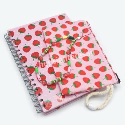 telefon askılı ve kalemlikli ajanda: strawberries