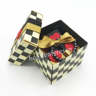 damalı kutuda şifalı ve lezzetli bir hediye
