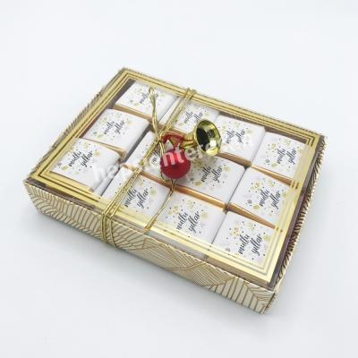 karton kutuda mutlu yıllar çikolataları