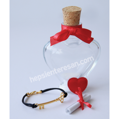 sevgiliye şişede anahtar bileklik